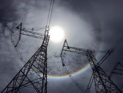 Nắng nóng gay gắt kéo dài, tiêu thụ điện lại lập đỉnh mới