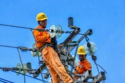 EVNSPC triển khai nhiều giải pháp đảm bảo an toàn điện mùa mưa bão