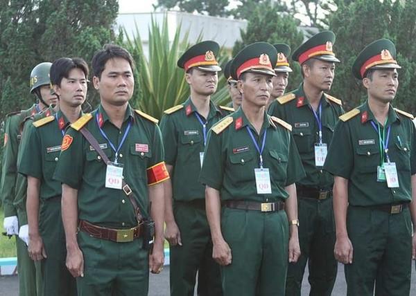 Để hoàn thành đợt vận chuyển này, Việt Nam nhận được sự giúp đỡ của Cơ quan Năng lượng nguyên tử quốc tế (IAEA), Cơ quan An ninh hạt nhân quốc gia Hoa Kỳ (NNSA) và Tập đoàn Năng lượng nguyên tử nhà nước Liên bang Nga (ROSATOM). Trong ảnh là đại diện phía Việt Nam tham gia công tác vận chuyển nhiên liệu hạt nhân đang được quán triệt nhiệm vụ.