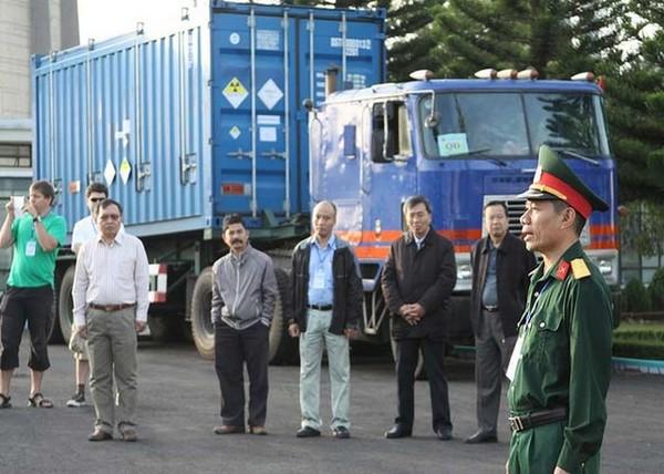 Theo đó, vào tháng 9-2007 Việt Nam cũng đã chuyển về Nga 35 thanh nhiên liệu HEU chưa qua sử dụng của lò Đà Lạt và nhận lại 36 thanh nhiên liệu LEU chưa qua sử dụng do Nga chế tạo.