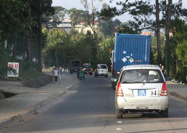 Tiếp đó vào tháng 12/2010, Việt Nam đã thực hiện giai đoạn 2 của Chương trình với việc tiếp nhận và vận chuyển 66 thanh nhiên liệu LEU về lò Đà Lạt nhằm thay thế toàn bộ số nhiên liệu HEU đang sử dụng trong lò.