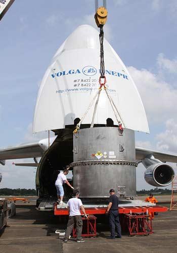 Hơn 1.000 công an, bộ đội hộ tống 11kg uranium ra khỏi Việt Nam