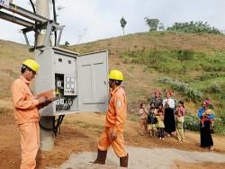 Triển khai dự án cấp điện lưới cho các hộ dân tại Sơn La