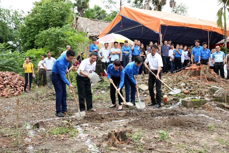 Đoàn Thanh niên PVN tổ chức hoạt động xã hội tại Phú Thọ 2