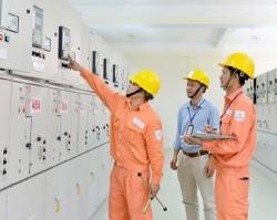 Đóng điện trạm biến áp không người trực thứ 2 tại Hà Nội