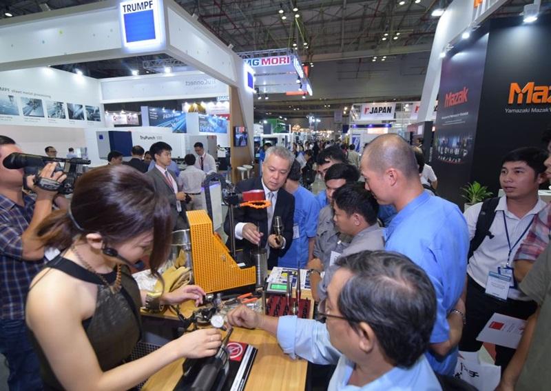 Triển lãm quốc tế về ngành năng lượng điện tại Việt Nam 1