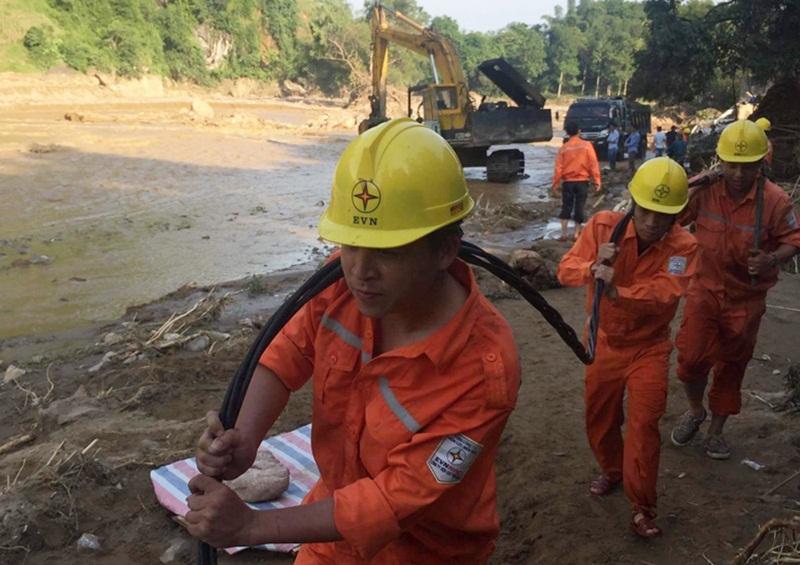 PC Yên Bái: Nối nguồn sáng cho dân vùng lũ 4