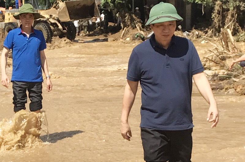 PC Yên Bái: Nối nguồn sáng cho dân vùng lũ 1