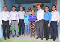 EVNSPC trao tặng nhà cho gia đình chính sách ở Bình Thuận