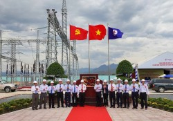 Gắn biển công trình Trạm biến áp 220 kV Ninh Phước và đấu nối