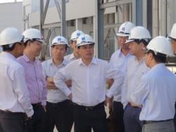 Chủ tịch PVN Nguyễn Xuân Sơn làm việc tại lọc dầu Dung Quất