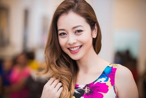 Những nụ cười khiến cánh mày râu đổ gục của các sao Việt