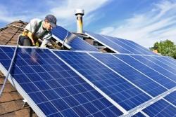 Thị trường thiết bị điện mặt trời: Vẫn khó trong ngắn hạn