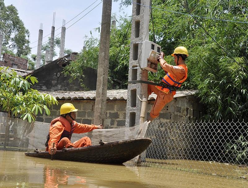 EVNHANOI khuyến cáo khách hàng dùng điện mùa mưa bão 1