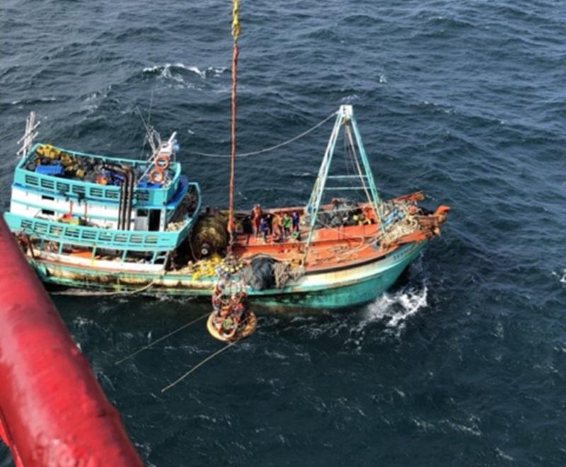 Vietsovpetro hỗ trợ y tế cho ngư dân bị nạn trên biển 1