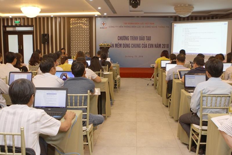 """EVNNPT đào tạo cập nhật """"các phần mềm dùng chung"""" 1"""