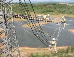 Quảng Ngãi hỗ trợ giải phóng mặt bằng các dự án lưới điện