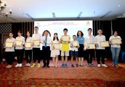 EVNNPT khen thưởng các cháu đạt thành tích cao trong học tập