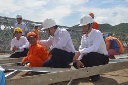 Căng sức đưa điện lưới quốc gia ra đảo Tiên Hải