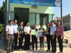 Công ty Nhiệt điện Vĩnh Tân với chương trình 'Mái ấm yêu thương'
