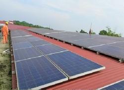 Lan tỏa điện mặt trời trên mái nhà tại Phú Thọ