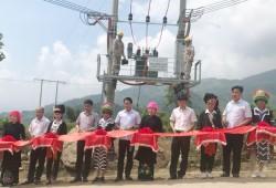 Thêm 297 hộ dân vùng xa ở Yên Bái được sử dụng điện lưới quốc gia