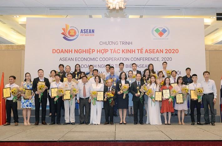 Quacontrol được vinh danh 'TOP 100 doanh nghiệp tiêu biểu ASEAN'