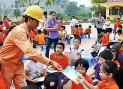 Điện lực TP. Cà Mau tuyên truyền tiết kiệm điện trong trường học