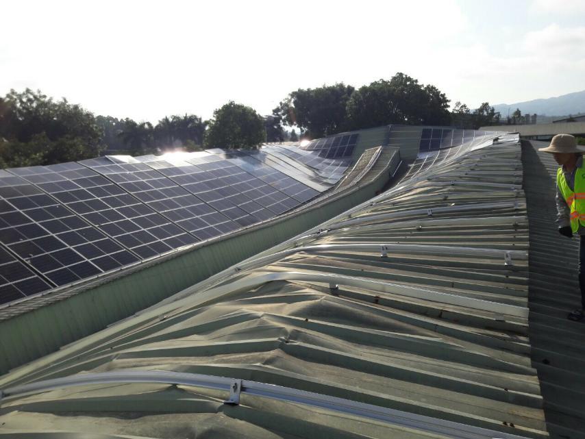 Hệ thống khung đỡ điện mặt trời áp mái