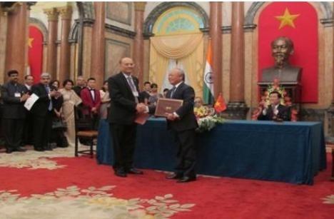 Việt Nam và Ấn Độ ký hợp tác về lĩnh vực dầu khí