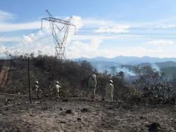 Cháy rừng gây ảnh hưởng đến đường dây 500kV Bắc - Nam