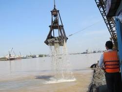 Triển khai nạo vét luồng cảng TT Điện lực Duyên Hải