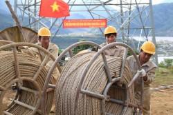 Đường dây 500kV Sơn La-Lai Châu sẽ về đích sớm
