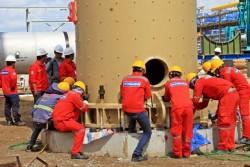 Lắp thành công tháp tách khí dự án xử lý Khí Cà Mau