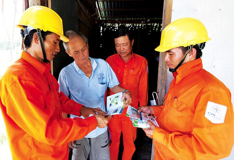 Dịch vụ khách hàng của EVNNPC tiếp tục được nâng cao