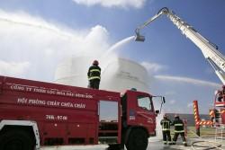 Diễn tập phương án chữa cháy tại Lọc dầu Dung Quất