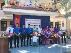 Ban QLDA Nhiệt điện 2 trao quà trước thềm năm học mới