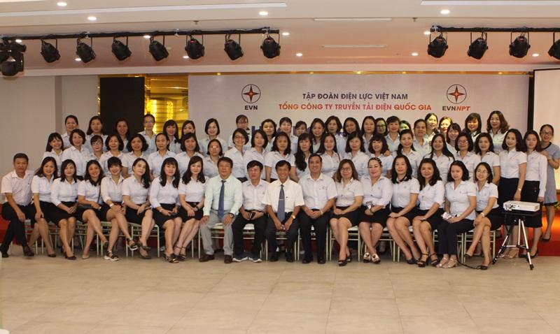 EVNNPT đào tạo kỹ năng lãnh đạo cho nhân sự nữ 5