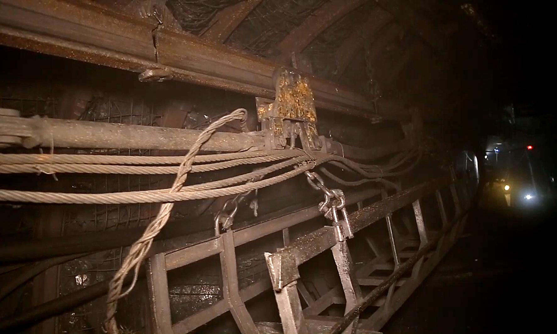 Ứng dụng sáng tạo trong công tác vận chuyển vật liệu mỏ tại Than Nam Mẫu (4)
