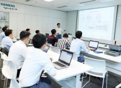 Digital training at Siemens kicks off