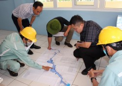 Kiểm tra dòng chảy thoát lũ sông Đa Nhim trước mùa mưa