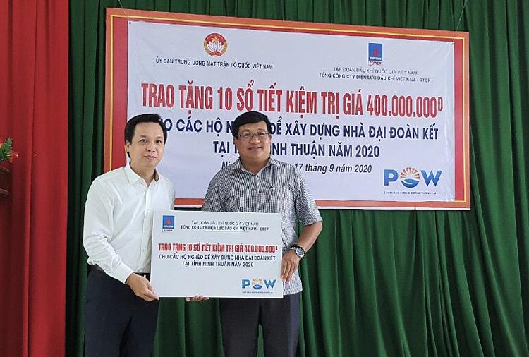 PV Power trao sổ tiết kiệm cho các hộ nghèo tại Ninh Thuận
