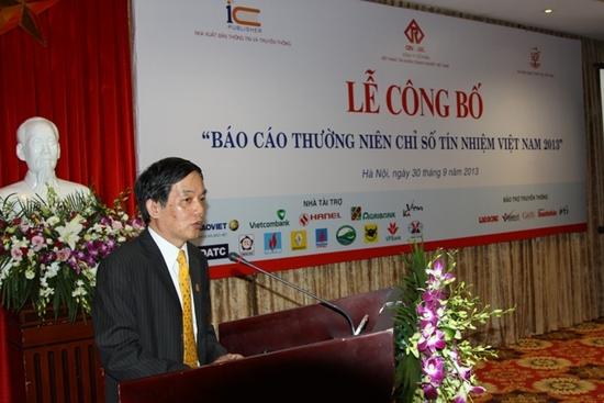 Ong Leu Minh Tien dai dien cac doanh nghiep phat bieu tai Le Cong bo Bao cao thuong nien Chi so tin nhiem Viet Nam a