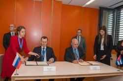 Nga ký nhiều hợp tác bên lề Đại hội đồng IAEA