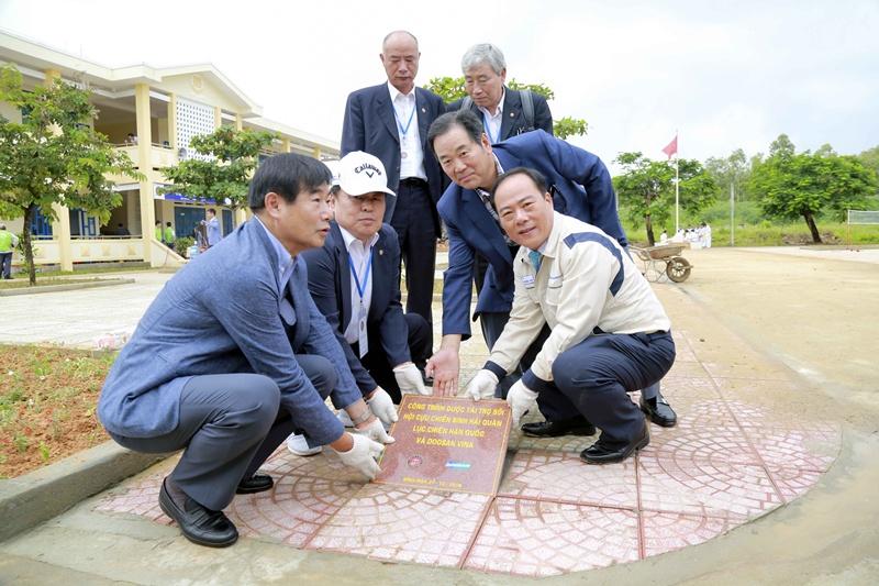 Doosan Vina tiếp tục hành trình từ thiện tại Quảng Ngãi 3