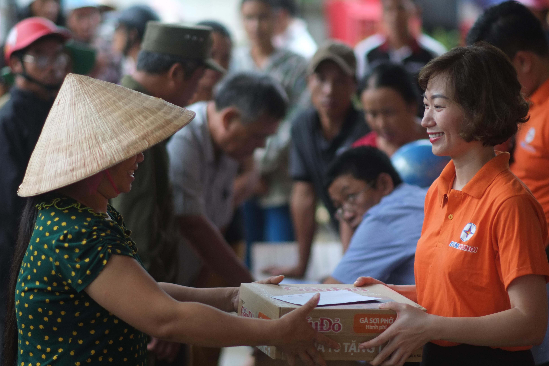 EVNHANOI ủng hộ hơn 1,5 tỉ đồng cho đồng bào miền Trung 1