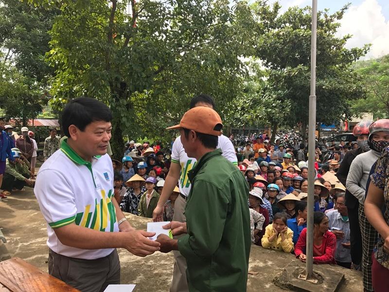 PVFCCo trao 1.600 phần quà ủng hộ đồng bào miền Trung 3
