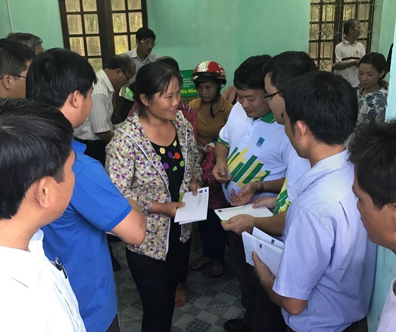 PVFCCo trao 1.600 phần quà ủng hộ đồng bào miền Trung 4