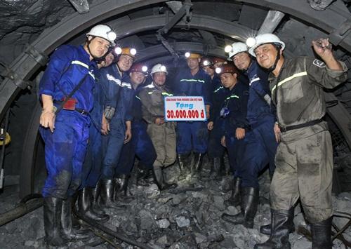 Quý 4, Xây lắp mỏ đặt mục tiêu đào mới 5.670 mét lò 1
