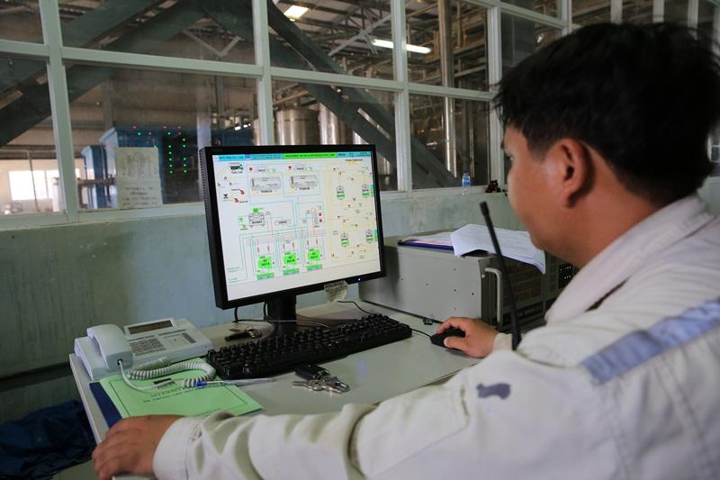 Xuất bán sản phẩm CO2 Nhà máy Nhiên liệu sinh học Dung Quất 1